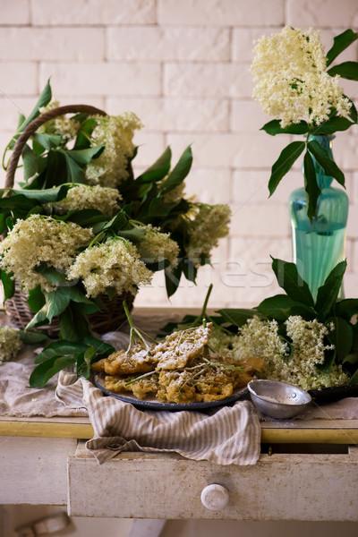 Virágok klasszikus tavasz tányér cukor pékség Stock fotó © zoryanchik