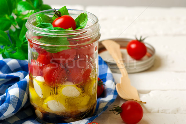 Salade caprese maçon jar style rustique alimentaire Photo stock © zoryanchik