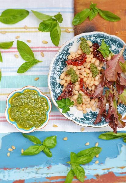 Feijões pesto salada comida verão prato Foto stock © zoryanchik