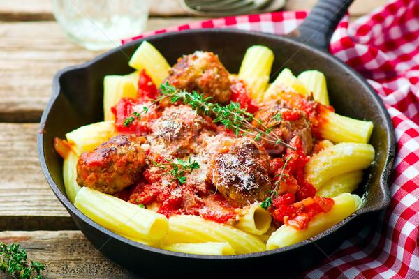 Carne molho de tomate macarrão frigideira estilo Foto stock © zoryanchik