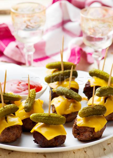 Cheeseburger partij gehaktballetjes voedsel plaat vlees Stockfoto © zoryanchik