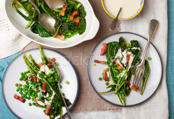 Gebakken salade groene erwten spek mayonaise Stockfoto © zoryanchik