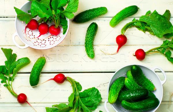Friss organikus kert retek uborkák fehér Stock fotó © zoryanchik