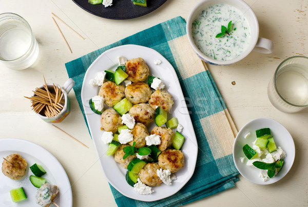 Görög tyúk húsgombócok uborkák sajt feta Stock fotó © zoryanchik