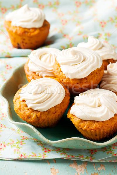 Répatorta muffinok szelektív fókusz reggeli sárgarépa ebéd Stock fotó © zoryanchik