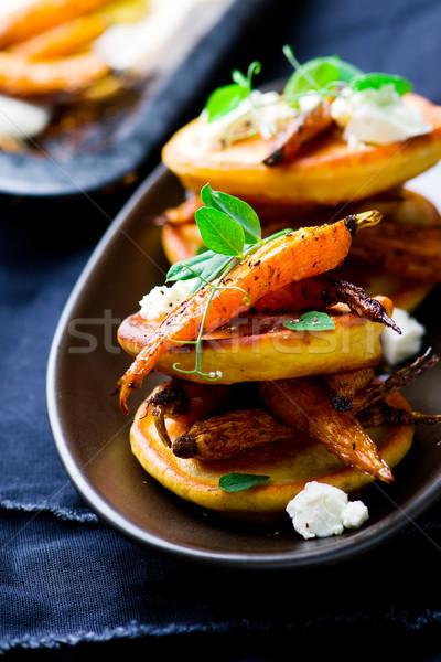 Segurelha panquecas picante cenouras foco Foto stock © zoryanchik