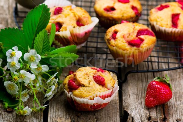 Muffinok korpa eper egészséges étel stílus rusztikus Stock fotó © zoryanchik