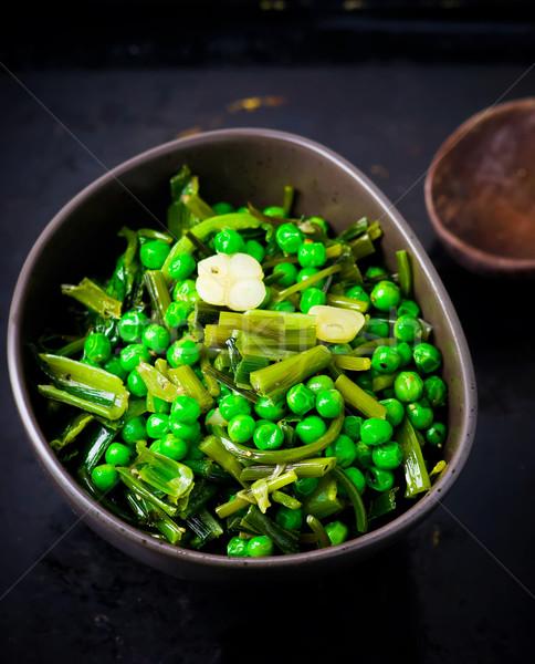 Zöld zöldborsó sült tojások egészséges merő Stock fotó © zoryanchik