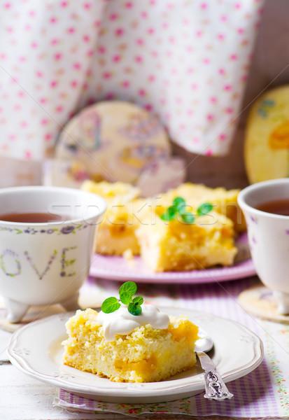Secado albaricoque pudín blanco placa desayuno Foto stock © zoryanchik