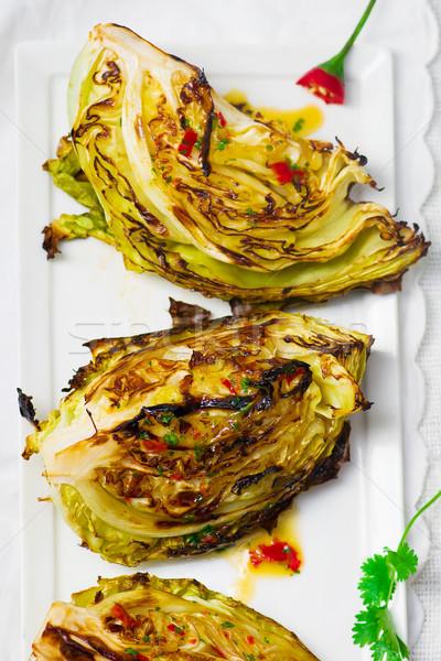 Lahana ızgara sıcak sos sağlıklı gıda stil Stok fotoğraf © zoryanchik