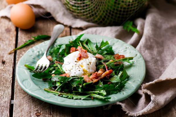 Salade de pommes de terre pissenlits fond été oeufs salade Photo stock © zoryanchik