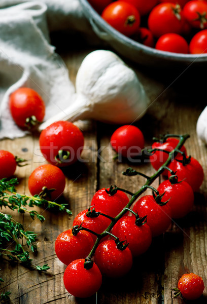 Fraîches organique tomate cerise table en bois style rustique Photo stock © zoryanchik