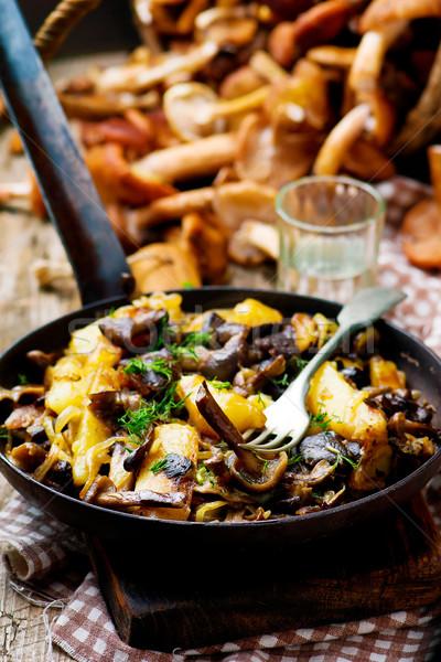 Sült krumpli gombák klasszikus serpenyő stílus Stock fotó © zoryanchik