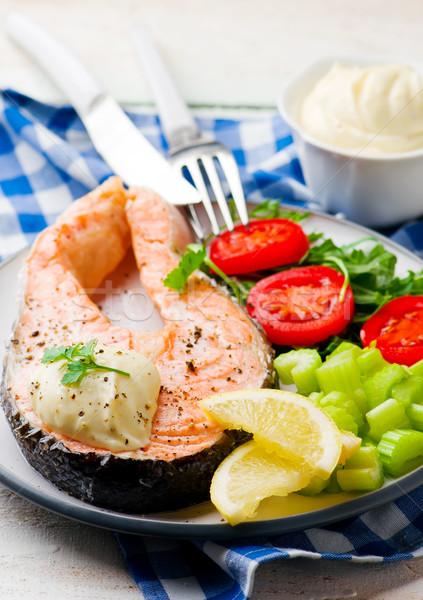 Szybki łososia żywności ryb zielone tablicy Zdjęcia stock © zoryanchik