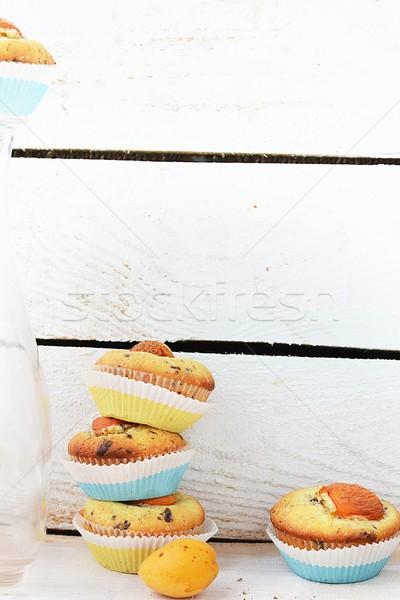 Abricot muffins fruits fête anniversaire Photo stock © zoryanchik