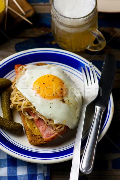 сэндвич кислая капуста ветчиной жареный яйца стиль Сток-фото © zoryanchik