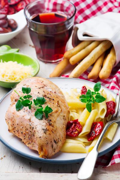 Pollo a la parrilla mama atención selectiva alimentos pollo cena Foto stock © zoryanchik