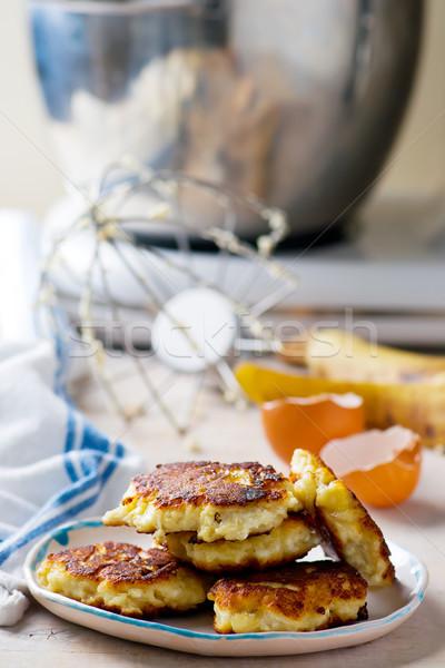 Pannenkoeken banaan cottage cheese selectieve aandacht vis ontbijt Stockfoto © zoryanchik