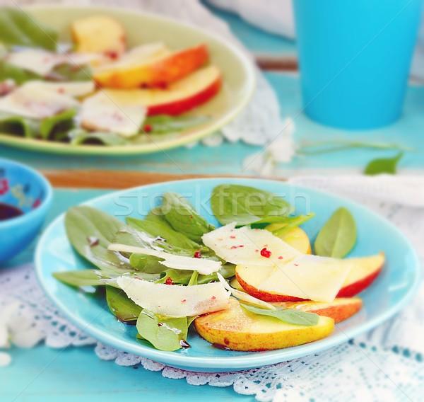 Spenót almák sajt saláta kék tányér Stock fotó © zoryanchik
