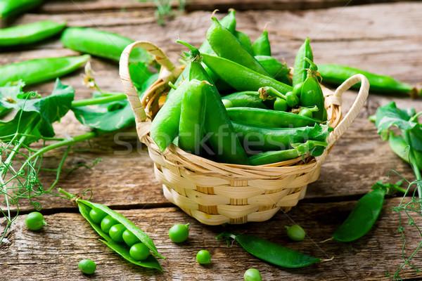 新鮮な オーガニック 緑 エンドウ 選択フォーカス 背景 ストックフォト © zoryanchik