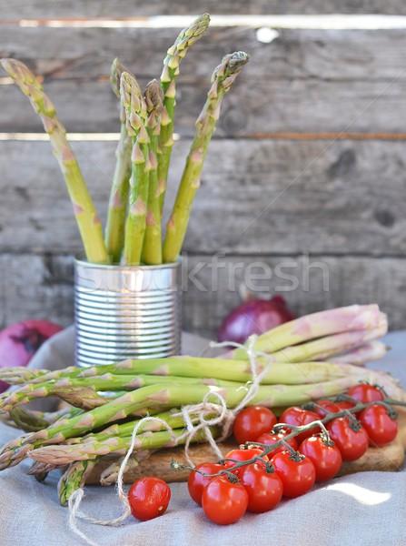 Spargel frischen grünen Holztisch Essen Stock foto © zoryanchik