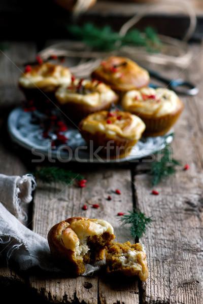 Kürbis Sahne Käse swirl Muffins selektiven Fokus Stock foto © zoryanchik