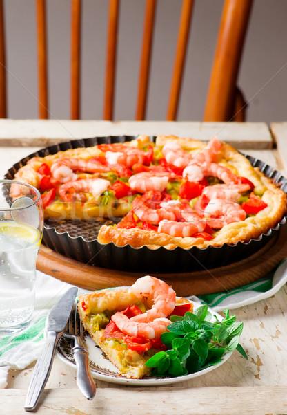 Camarão alho-porro segurelha torta queijo vermelho Foto stock © zoryanchik