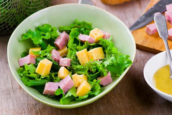Hagyományos párizsi saláta sajt sonka szelektív fókusz Stock fotó © zoryanchik