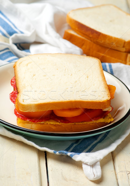 Salami sandwich kip diner tarwe lunch Stockfoto © zoryanchik