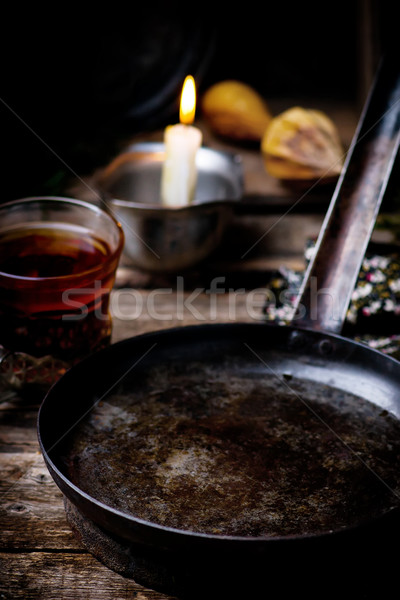 Klasszikus serpenyő fa asztal stílus rusztikus szelektív fókusz Stock fotó © zoryanchik