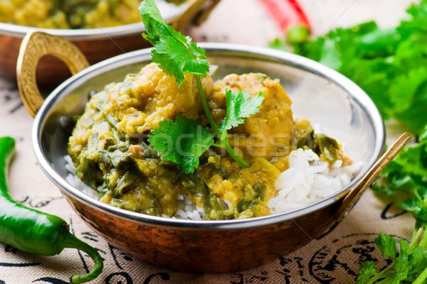 Frango espinafre caril culinária indiana arroz foco Foto stock © zoryanchik