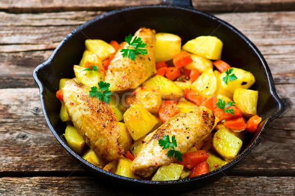 Frango assado legumes foco comida peito frango Foto stock © zoryanchik