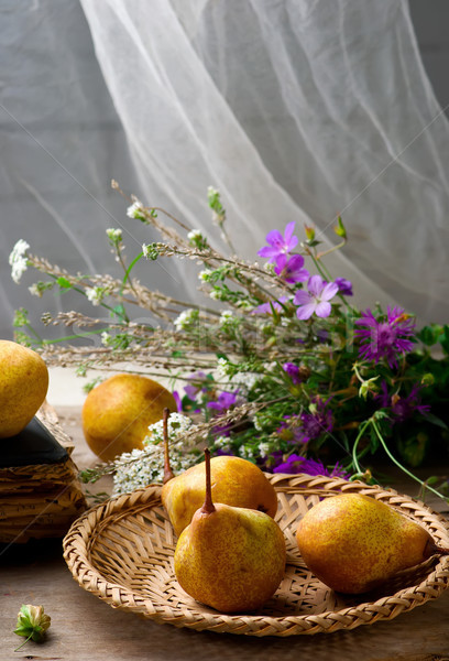 Sonbahar natürmort armut çiçekler stil seçici odak Stok fotoğraf © zoryanchik