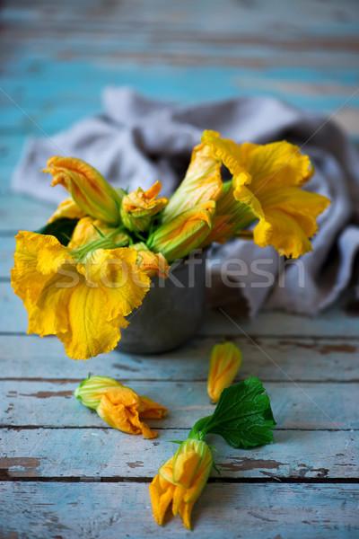 Friss organikus virágok cukkini fa asztal stílus Stock fotó © zoryanchik