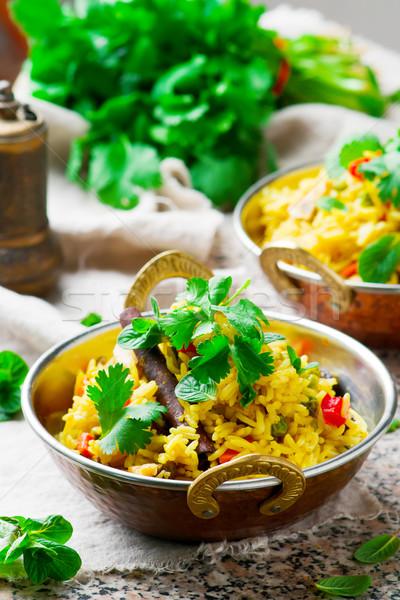 Microonda cobre tigela foco indiano almoço Foto stock © zoryanchik