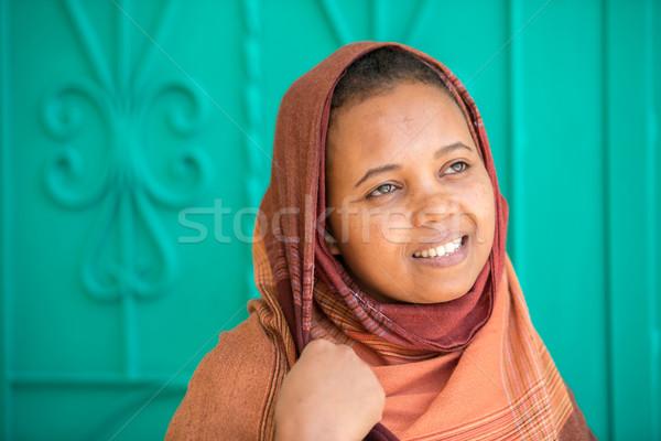 Afrika Arapça kız Müslüman kadın gülümseme Stok fotoğraf © zurijeta