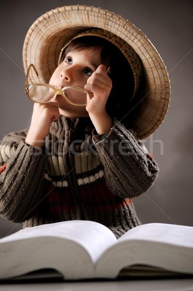 Retrato bonitinho pequeno menino estilo retro Foto stock © zurijeta
