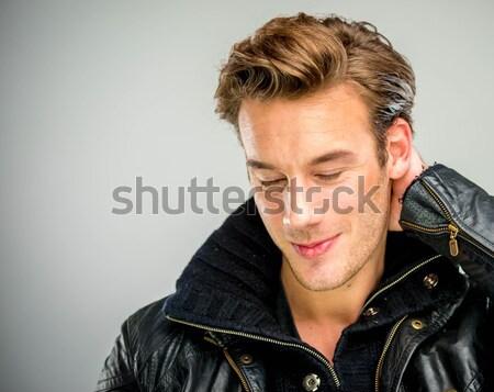 Genç stüdyo poz çekici genç Stok fotoğraf © zurijeta