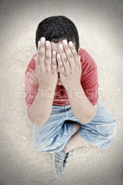 Yoksulluk çocuk toz sokak ağlayan erkek Stok fotoğraf © zurijeta