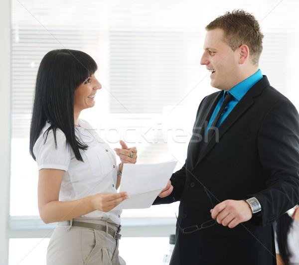 Zakenlieden activiteiten kantoor business papier man Stockfoto © zurijeta