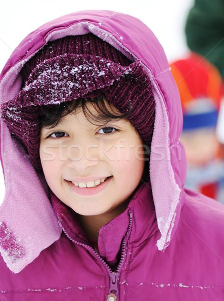 Meisje portret sneeuw winter gelukkig berg Stockfoto © zurijeta