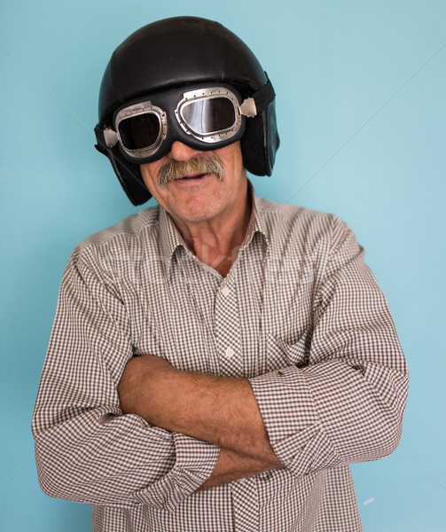 Senior grappig man piloot hoed bril Stockfoto © zurijeta