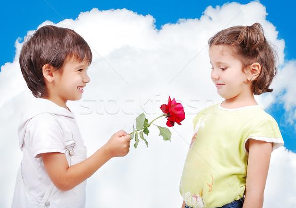 Cute scène twee weinig kinderen steeg Stockfoto © zurijeta