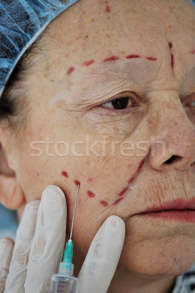 Senior vrouw botox injectie ziekenhuis arts mode Stockfoto © zurijeta