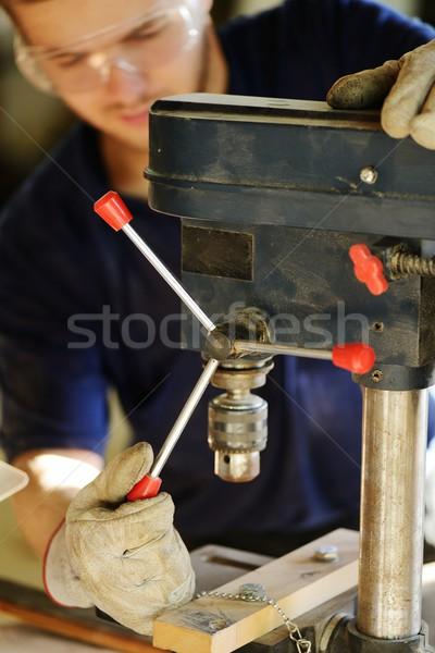 Lavoratore lavoro workshop giovani legno servizio Foto d'archivio © zurijeta