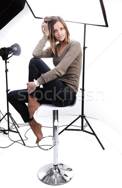 Fiatal gyönyörű modell pózol stúdió fény Stock fotó © zurijeta