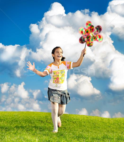Fantastik sahne mutlu küçük kız çalışma oynama Stok fotoğraf © zurijeta