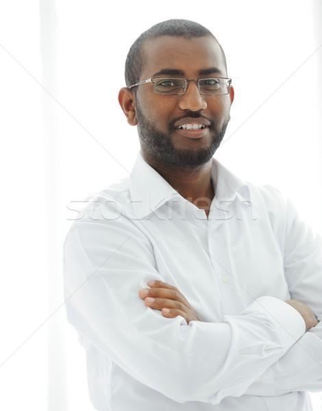 Közel-keleti arab afroamerikai férfi boldog üzletember férfiak Stock fotó © zurijeta