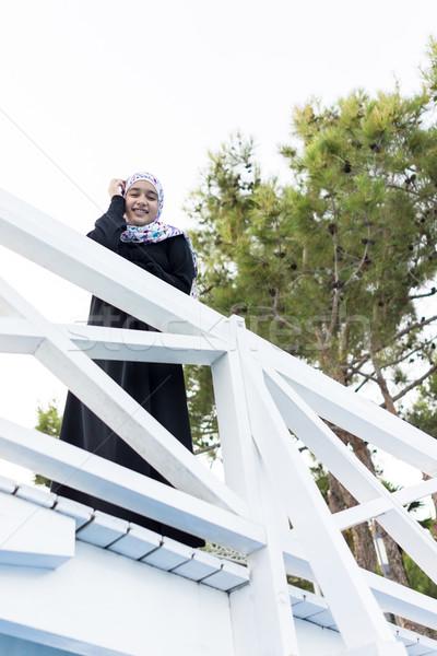 Güzel Müslüman kız başörtüsü tatil tatil Stok fotoğraf © zurijeta