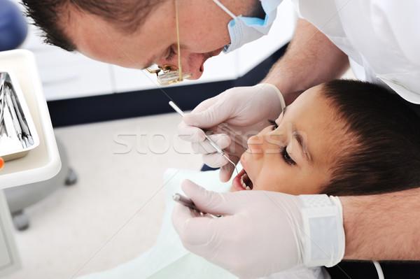 Stock foto: Zahnärzte · Zähne · Fotos · Büro · Mann · Kind